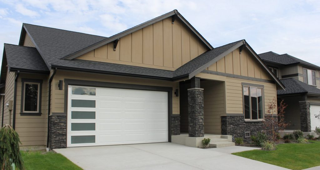 Therma max ranch panel plain lite vertical windows for Therma door garage insulation